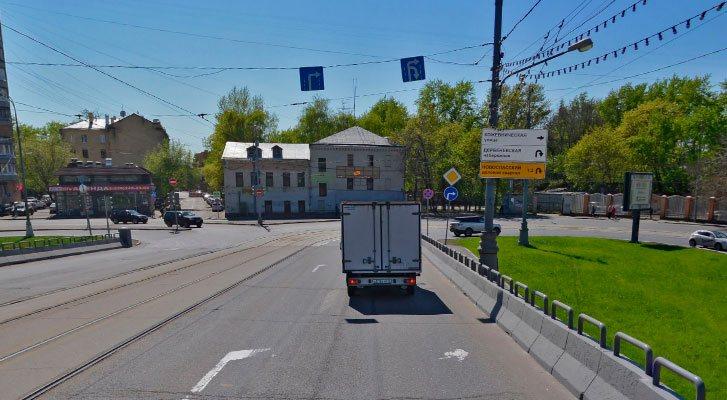 Движение по полосам с трамвайными путями