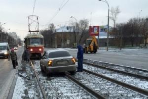 Передвижение по трамвайным путям встречного направления