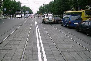 Движение по попутным путям трамвая
